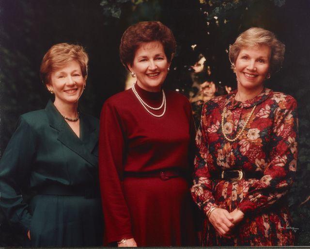 Virginia H. Pearce, Janette Hales Beckham y Bonnie D. Parkin